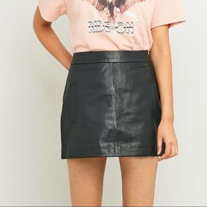 🌈 5 for $25 🌈 Edgy Black faux leather mini skirt